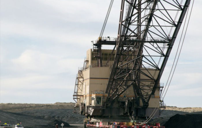 Dragline crosses New Mexico desert