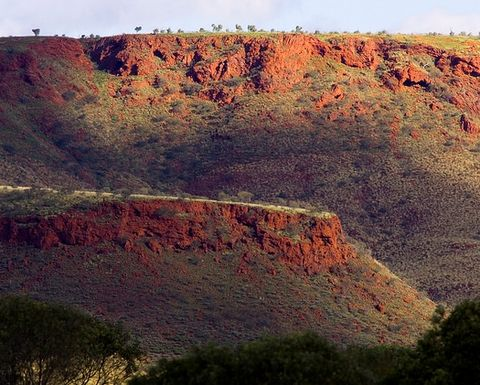 Rio Tinto hands out 100th work package to Pilbara business