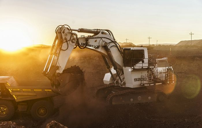 Debut of Liebherr's R 9200 excavator