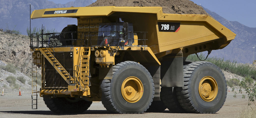 Цифрование Cat798ACminingtruckatCaterpillarsArizonaProvingGrounds-1024x475