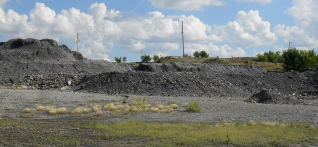 Using mine waste to trap carbon dioxide