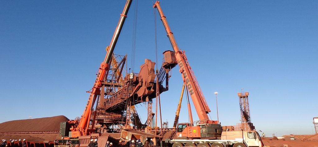 Johnson Crane Hire completes heavy lifts