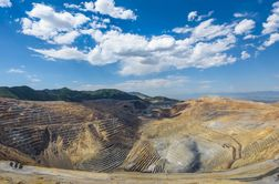 Kennecott suspends operations following earthquake