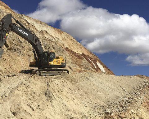 Volvo excavators help put a shine on chrome mining - Mining