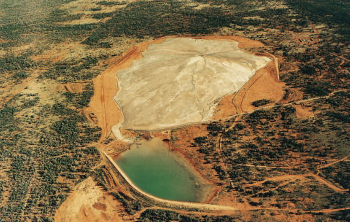 Scientists team up to tackle mine waste