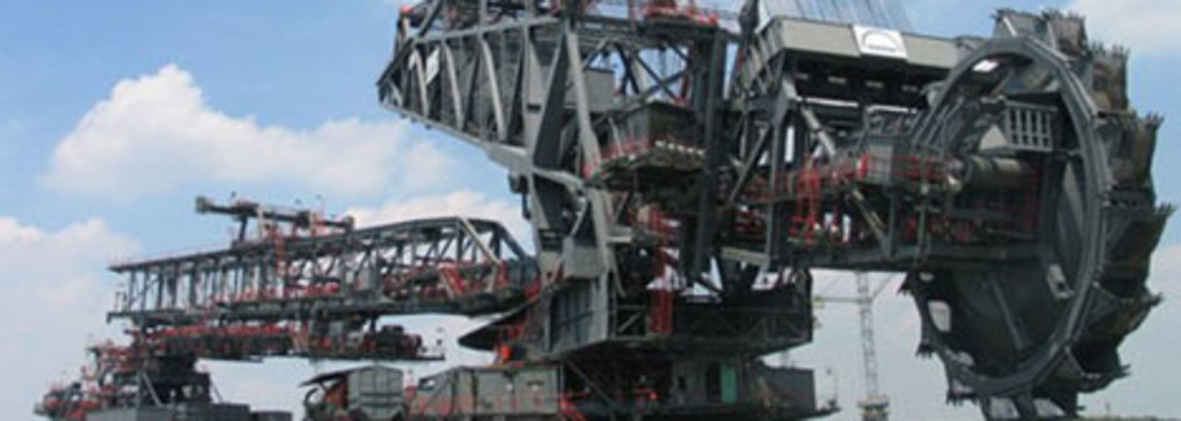 Mengdong Energy orders bucket wheel excavator