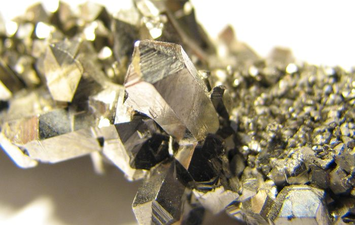 Exeter leads mineral research project