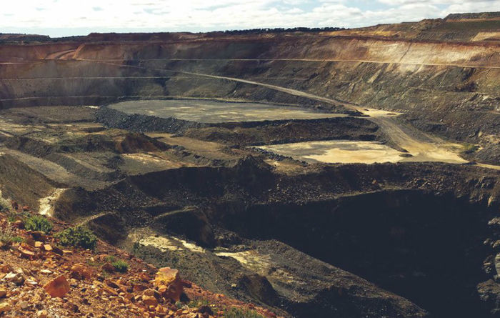 BHP sticks to Thiess at Rocky's Reward