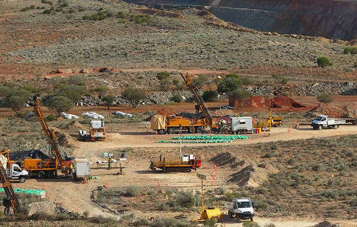 Dacian to award UG mining contract to RUC