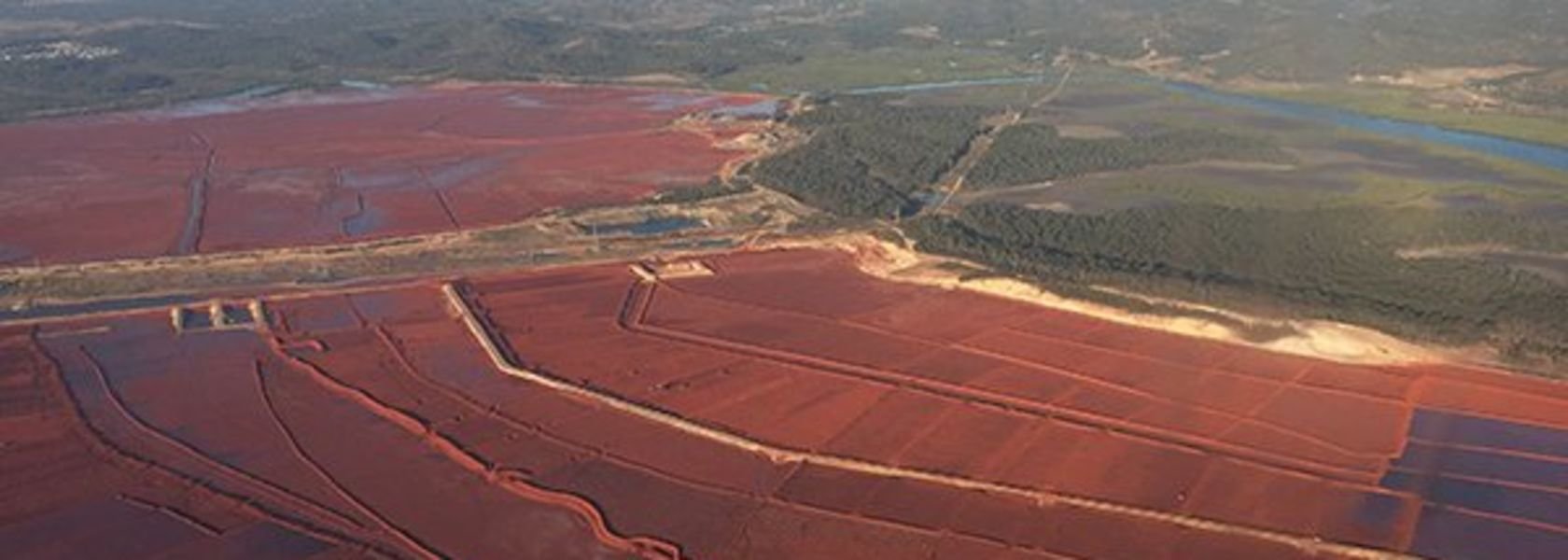 UQ receives funding for mine waste management tech