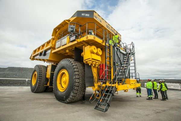 he omatsu 8305 haul trucks have a 220t payload and comply with  tage  emissions standards