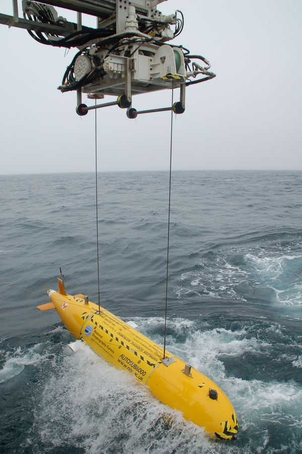 alt='The expedition used the Autosub6000 autonomous underwater vehicle (AUV)'