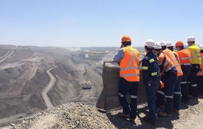 Glencore's Hail Creek switching gears