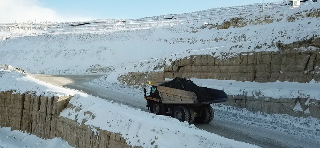 Last truck drives off from Victor pit