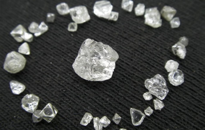 Stellar Diamonds signs FEED contract