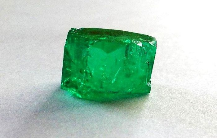 Fura mechanises Colombia emerald mine