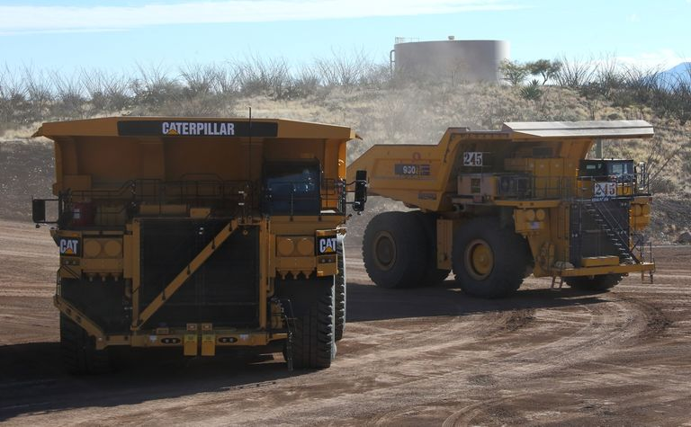 Caterpillar offers autonomy for Komatsu trucks
