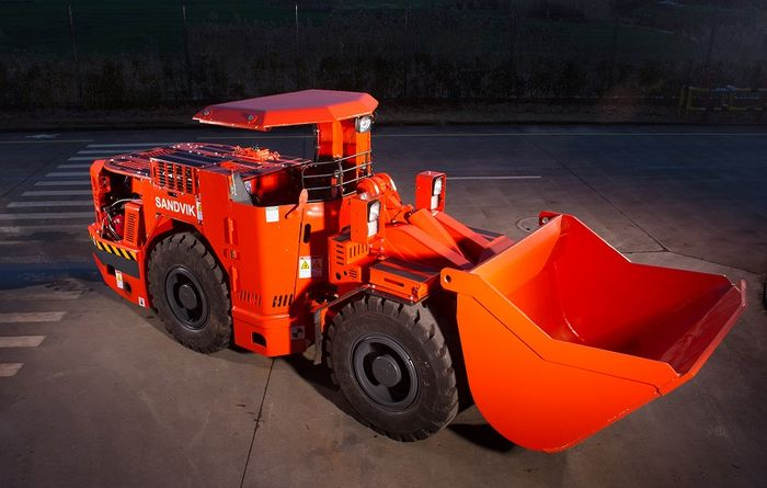 Sandvik presents LH202 loader