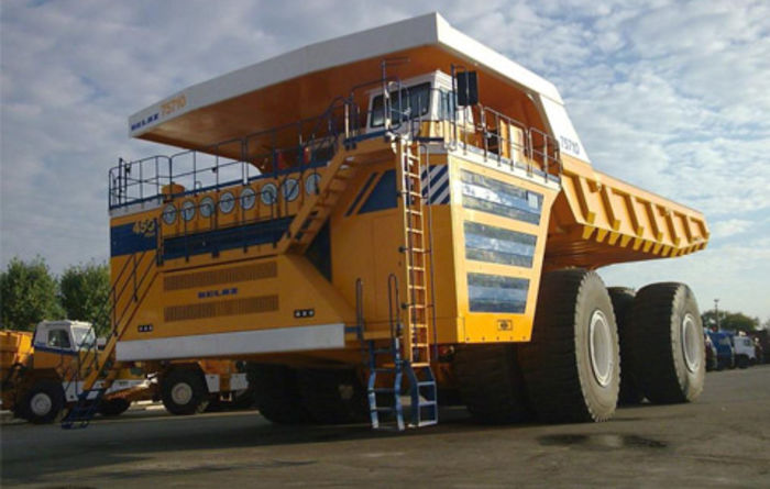 Belaz launches 450t dump truck