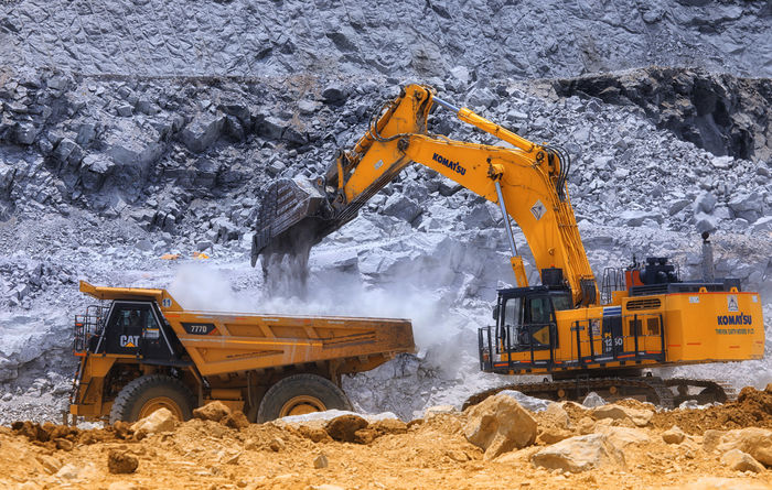 Thriveni Earthmovers wins US$430M India coal contract