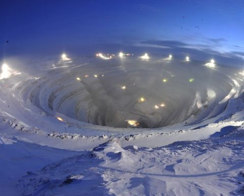 Alrosa suspends low-margin diamond mines