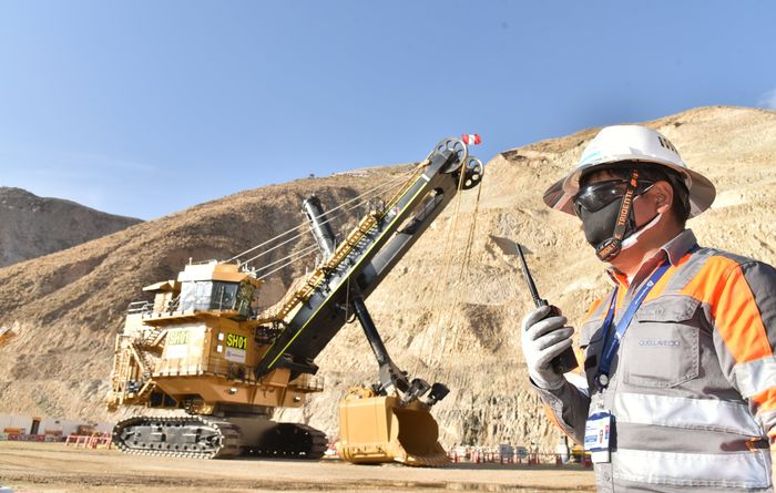 Anglo American deploys electric shovel in Peru