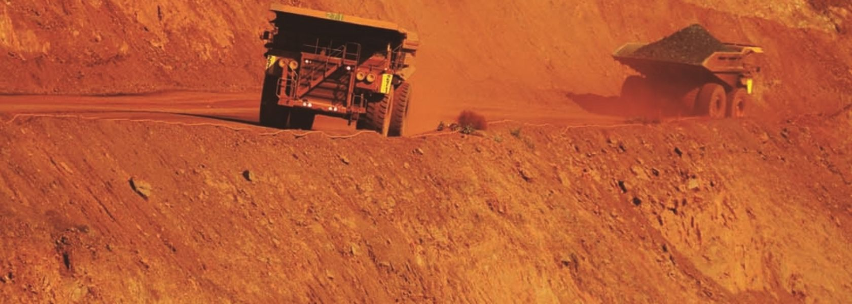 Runaway iron ore train prompts BHP to suspend rail ops